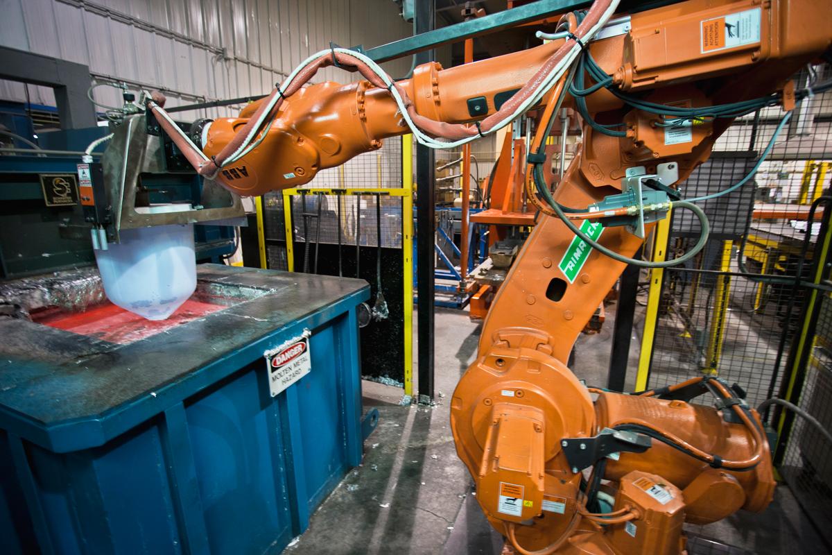custom-castings-pour-robot